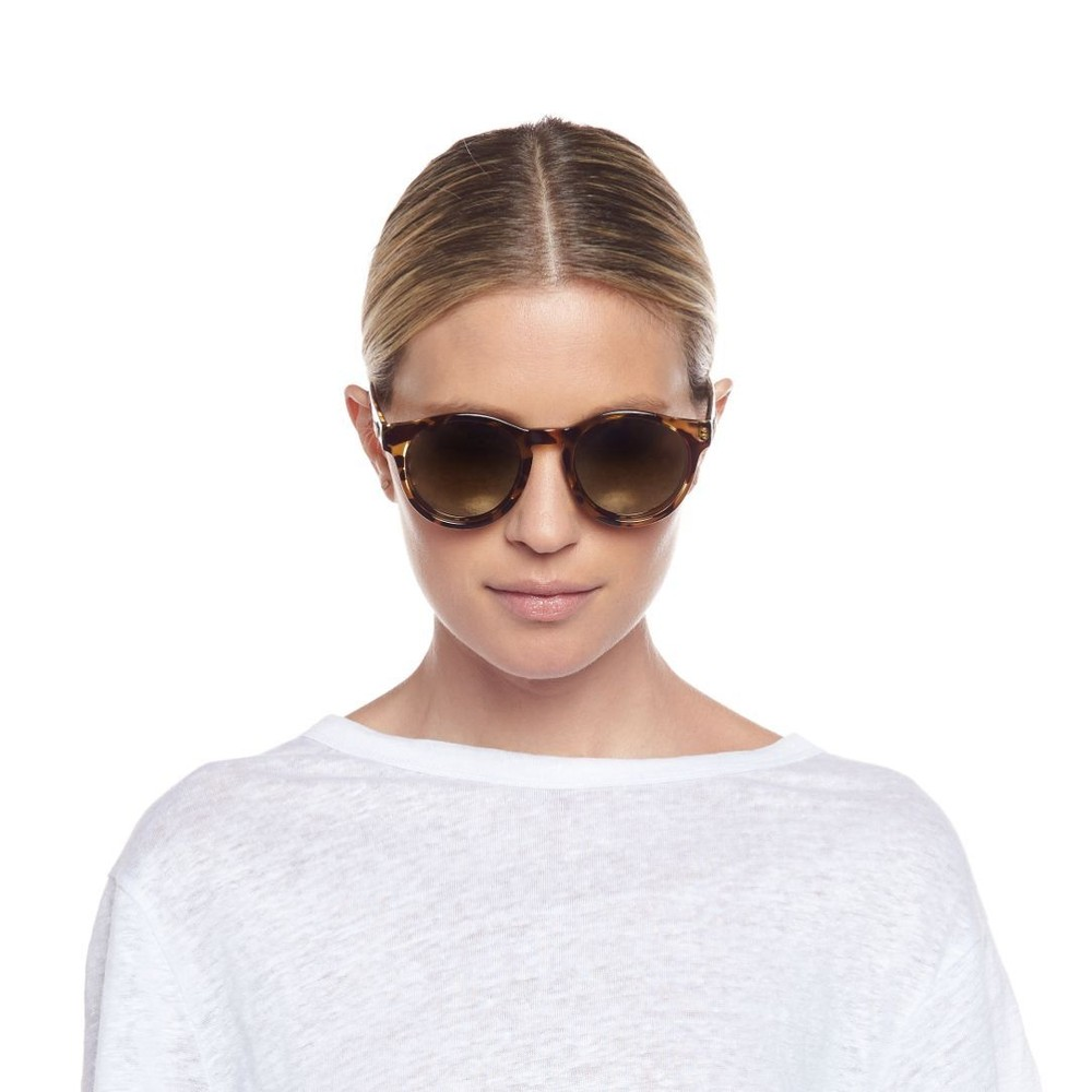 Le Specs Hey Macarena Sunglasses in Syrup Tort Brown