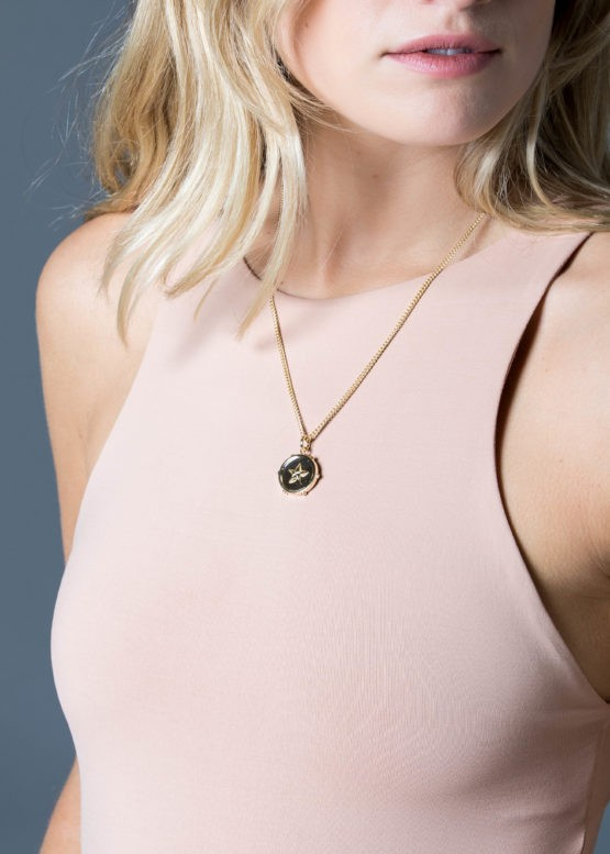 Tilly Sveaas Star disc necklace gold Gold
