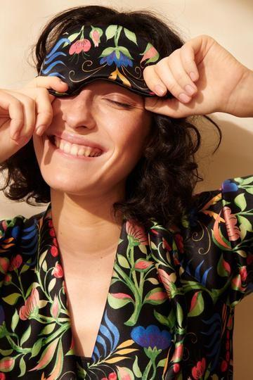 Yolke Anais Silk Eye Mask in Black Black
