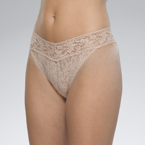 Hanky Panky Signature Lace Original Rise Thong in Chai Natural