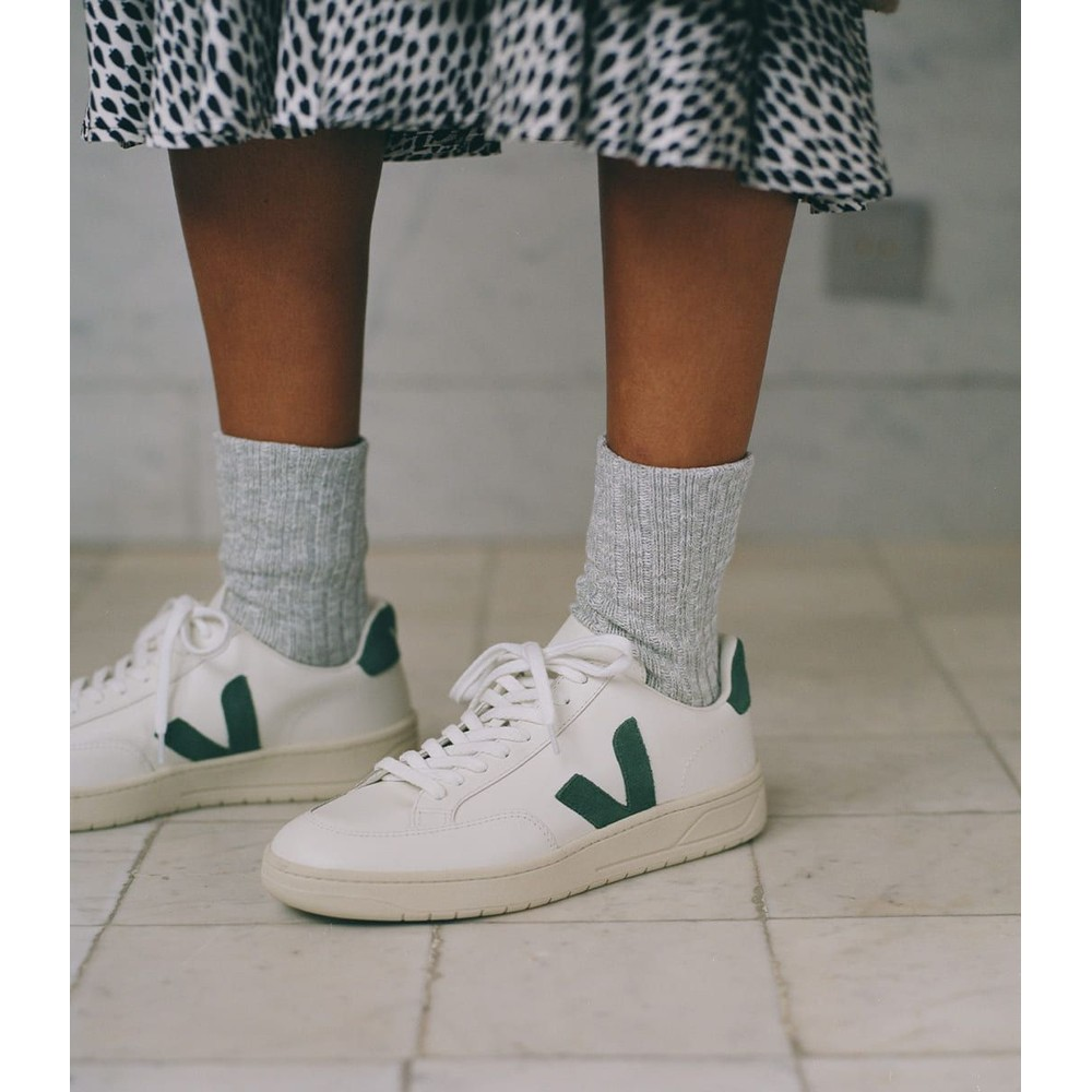 Veja V12 Extra White Cyprus Trainers Green
