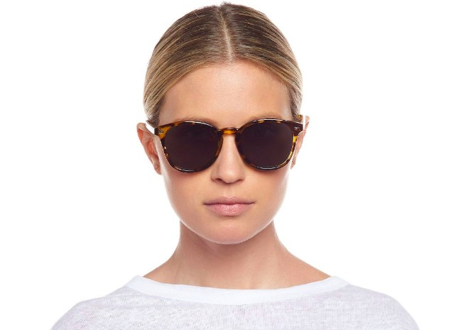 Le Specs Bandwagon Sunglasses in Syrup Tort Brown