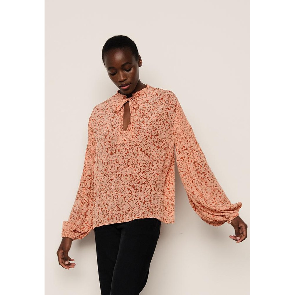 Lily & Lionel Stevie Blouse in Blush Pink