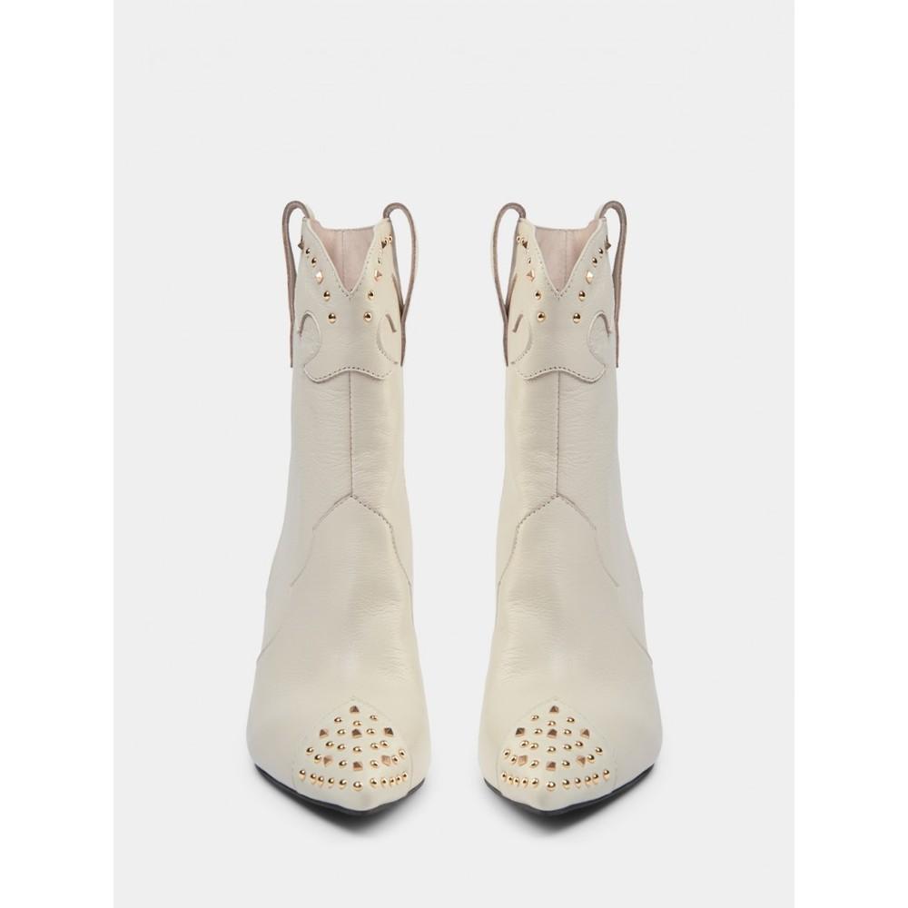 Sofie Schnoor Boots with golden rivet S213710 in off white Cream