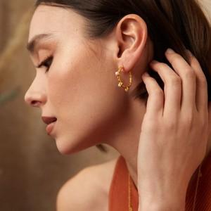 Ashiana Mini Cruise Earrings in Pearl