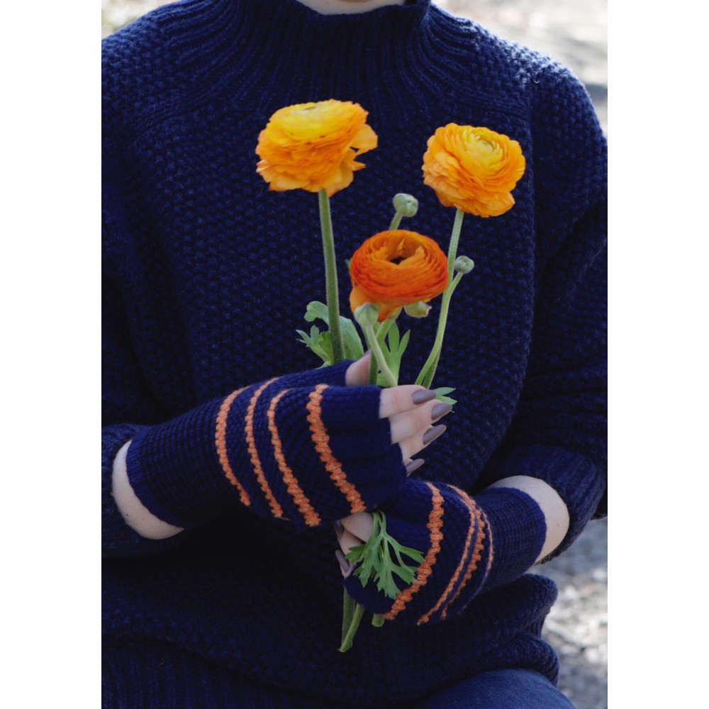 Quinton Chadwick Tuck St Fingerless Gloves in Navy/Orange Navy